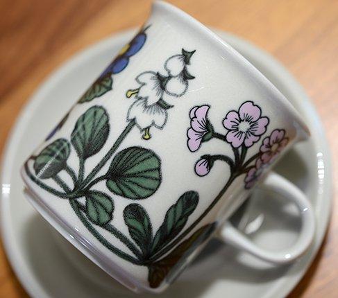 【送料無料】ARABIA アラビア フローラ コーヒーカップ&ソーサー&プレート17cm(トリオ)  エステリ・トムラデザイン アラビア 食器の写真No.7