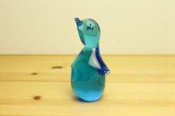青いガラスのオブジェ ひな鳥