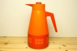 スウェーデン製プラスティックの保温ポット(オレンジ)ドットJune