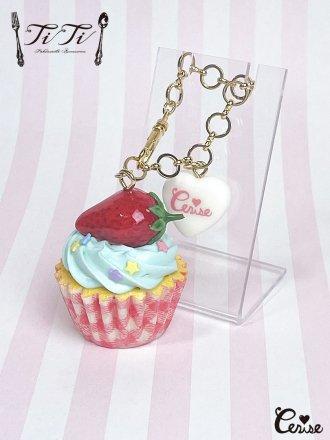TiTi × Cerise ストロベリーカップケーキバッグチャーム (ミントクリーム)
