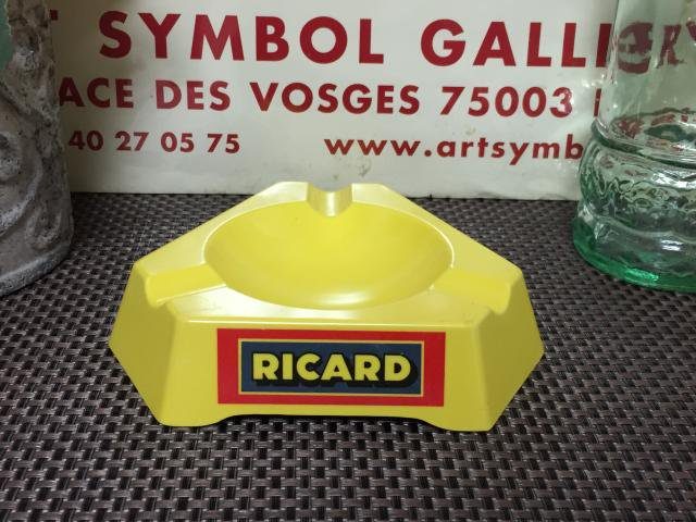 Ricard 灰皿 プラスチック