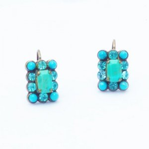 <img class='new_mark_img1' src='https://img.shop-pro.jp/img/new/icons38.gif' style='border:none;display:inline;margin:0px;padding:0px;width:auto;' />AMARO Ocean collection フックピアス