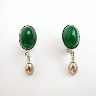 <img class='new_mark_img1' src='//img.shop-pro.jp/img/new/icons14.gif' style='border:none;display:inline;margin:0px;padding:0px;width:auto;' />E108-260 Cabochon Earrings
