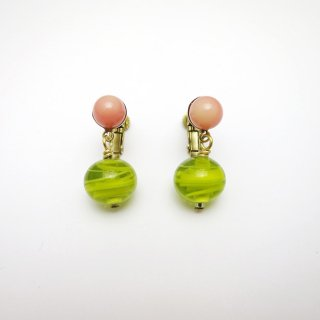 <img class='new_mark_img1' src='//img.shop-pro.jp/img/new/icons14.gif' style='border:none;display:inline;margin:0px;padding:0px;width:auto;' />E108-323 Vintage glass Earrings