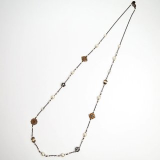 107-211 Glass Pearl×Metal Parts Necklace