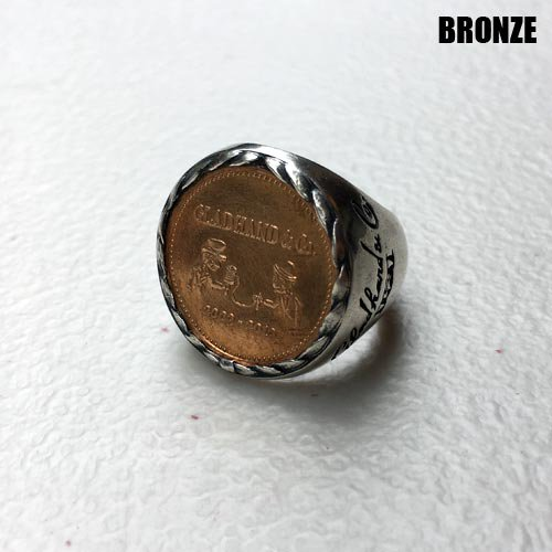 <img class='new_mark_img1' src='https://img.shop-pro.jp/img/new/icons5.gif' style='border:none;display:inline;margin:0px;padding:0px;width:auto;' />GLADHAND[リング] MEDAL RING