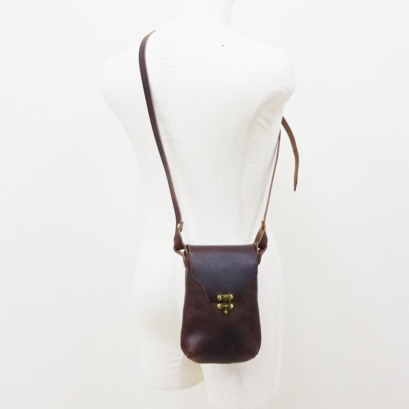 FERNAND LEATHER HORIZONTAL Latch Pouch/M(BROWN/BLACK)