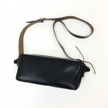 FERNAND LEATHER ZIP SHOULDER BAG (BLACK)