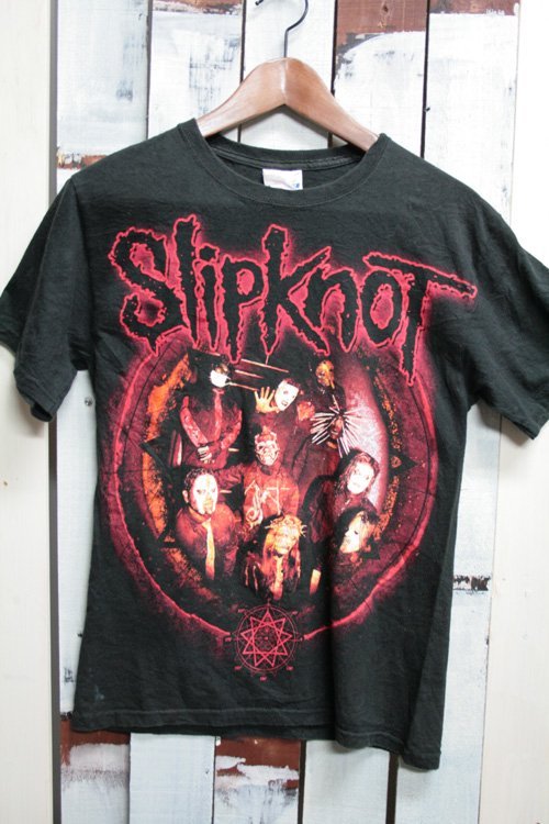 <img class='new_mark_img1' src='//img.shop-pro.jp/img/new/icons43.gif' style='border:none;display:inline;margin:0px;padding:0px;width:auto;' />スリップノット (Slipknot) バンドTシャツ ブラック 黒 古着