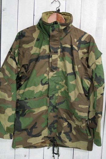 ECWCS ゴアテックスパーカー 古着 ウッドランドカモ USアーミー 米軍 ミリタリージャケット フード収納 S/S