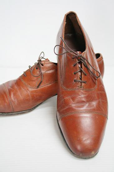 <img class='new_mark_img1' src='https://img.shop-pro.jp/img/new/icons43.gif' style='border:none;display:inline;margin:0px;padding:0px;width:auto;' />FLORSHEIM(フローシャイム) キャップトゥ・レザーシューズ 茶 中古