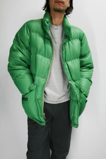 <img class='new_mark_img1' src='https://img.shop-pro.jp/img/new/icons43.gif' style='border:none;display:inline;margin:0px;padding:0px;width:auto;' />70年代 THE NORTH FACE(ノースフェイス) ダウンジャケット 茶タグ 古着