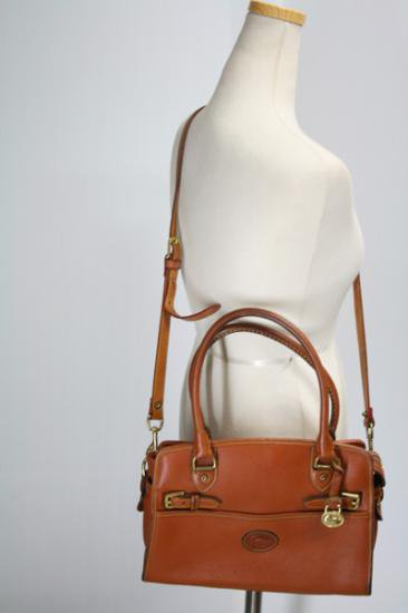 <img class='new_mark_img1' src='https://img.shop-pro.jp/img/new/icons43.gif' style='border:none;display:inline;margin:0px;padding:0px;width:auto;' />DOONEY & BOURKE【ドゥーニー&バーク】 レザーバッグ 中古