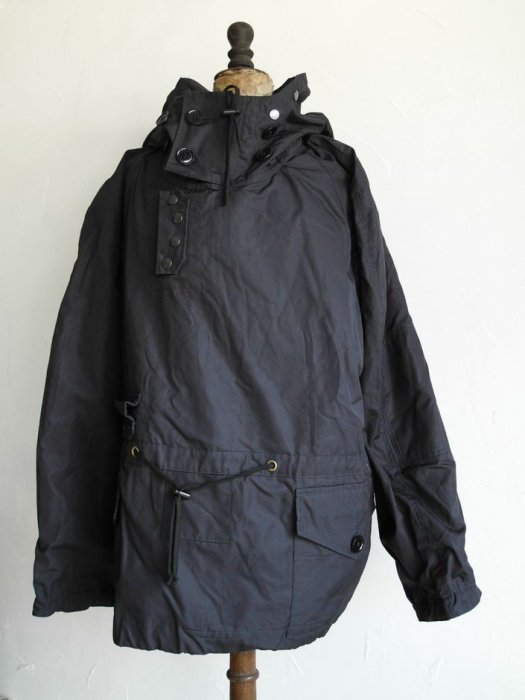 <img class='new_mark_img1' src='//img.shop-pro.jp/img/new/icons8.gif' style='border:none;display:inline;margin:0px;padding:0px;width:auto;' />DEAD STOCK BLUE WINDPROOF SMOCK / VENTILE SMOCK