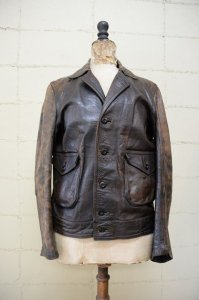 <img class='new_mark_img1' src='https://img.shop-pro.jp/img/new/icons8.gif' style='border:none;display:inline;margin:0px;padding:0px;width:auto;' />30's Vintage Horse hide leather sports jacket (A-1 style)