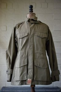 <img class='new_mark_img1' src='https://img.shop-pro.jp/img/new/icons8.gif' style='border:none;display:inline;margin:0px;padding:0px;width:auto;' />N.O.S. Vintage French Army Field jacket (M47) size 22