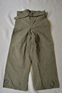 <img class='new_mark_img1' src='https://img.shop-pro.jp/img/new/icons8.gif' style='border:none;display:inline;margin:0px;padding:0px;width:auto;' />Vintage French army trousers (motorcycle)