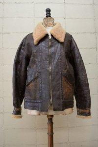 <img class='new_mark_img1' src='https://img.shop-pro.jp/img/new/icons8.gif' style='border:none;display:inline;margin:0px;padding:0px;width:auto;' />Vintage 40's U.K. Civilian made sheep skin flight jacket