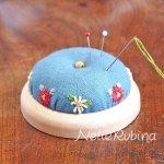 小花刺繍の針山キット
