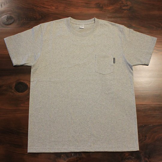 Attract Street Gear ポケットTシャツ グレー<img class='new_mark_img2' src='//img.shop-pro.jp/img/new/icons58.gif' style='border:none;display:inline;margin:0px;padding:0px;width:auto;' />