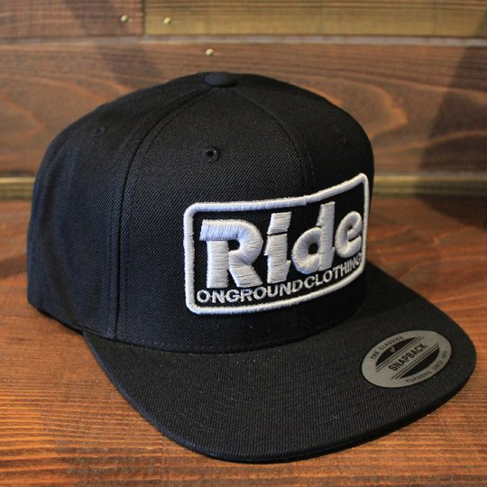 ONGROUNDCLOTHING 【Ride】3D Stitch Logo Standard Snapback ブラック/シルバー(特別カラー)<img class='new_mark_img2' src='//img.shop-pro.jp/img/new/icons58.gif' style='border:none;display:inline;margin:0px;padding:0px;width:auto;' />