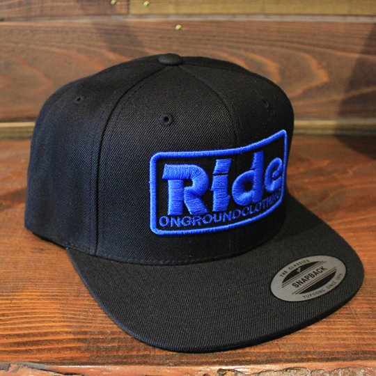 ONGROUNDCLOTHING 【Ride】3D Stitch Logo Standard Snapback ブラック/ロイヤルブルー(特別カラー)<img class='new_mark_img2' src='//img.shop-pro.jp/img/new/icons5.gif' style='border:none;display:inline;margin:0px;padding:0px;width:auto;' />