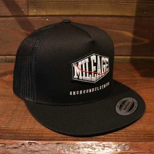 ONGROUNDCLOTHING【Mileage】Black Patch Trucker Snap Back (Blk/Blk) ブラック/ブラック