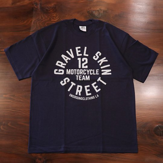 ONGROUNDCLOTHING Gravel Skin Street Tee (Navy Blue/Grey) ネイビーブルー/グレー<img class='new_mark_img2' src='//img.shop-pro.jp/img/new/icons5.gif' style='border:none;display:inline;margin:0px;padding:0px;width:auto;' />