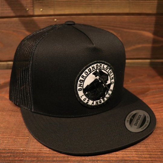 ONGROUNDCLOTHING【GROUNDED】Trucker Snap Back SG/UC (Black/Black)ブラック/ブラック<img class='new_mark_img2' src='//img.shop-pro.jp/img/new/icons24.gif' style='border:none;display:inline;margin:0px;padding:0px;width:auto;' />