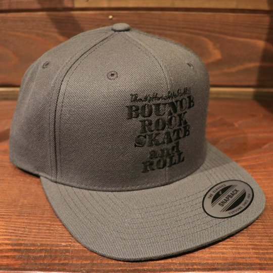【BOUNCE ROCK SKATE and ROLL / バウンス ロック スケート アンド ロール】 Snap Back スナップバック キャップ ダークグレー/ブラック<img class='new_mark_img2' src='//img.shop-pro.jp/img/new/icons5.gif' style='border:none;display:inline;margin:0px;padding:0px;width:auto;' />