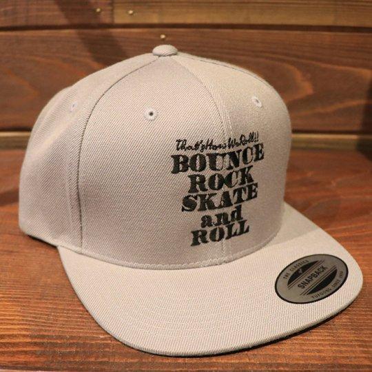 【BOUNCE ROCK SKATE and ROLL / バウンス ロック スケート アンド ロール】 Snap Back スナップバック キャップ ライトグレー/ブラック