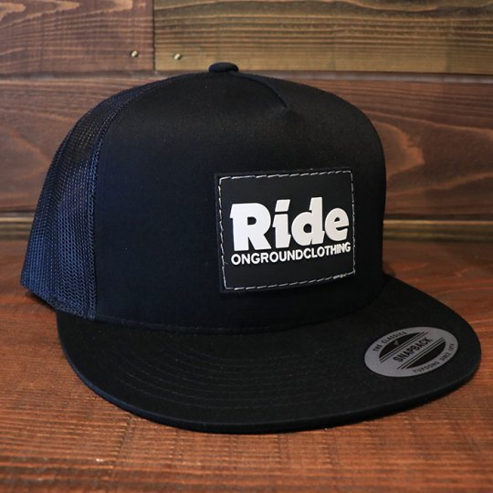 ONGROUNDCLOTHING【Ride】Rubber Mount Trucker Snap Back ブラック