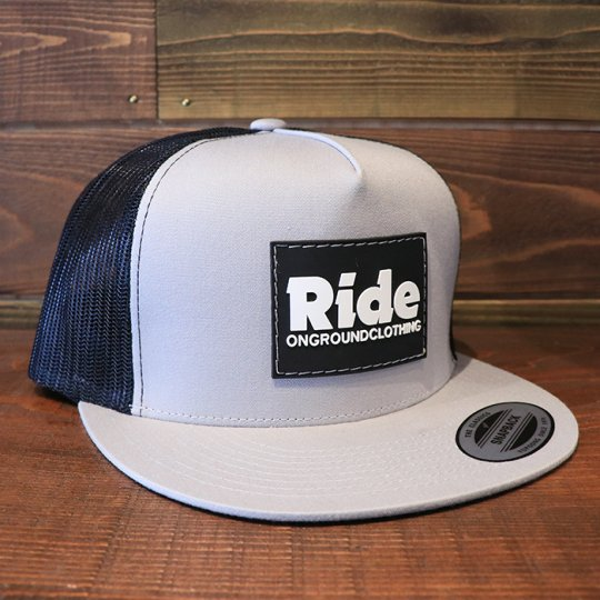 ONGROUNDCLOTHING【Ride】Rubber Mount Trucker Snap Back グレー/ブラック<img class='new_mark_img2' src='//img.shop-pro.jp/img/new/icons58.gif' style='border:none;display:inline;margin:0px;padding:0px;width:auto;' />