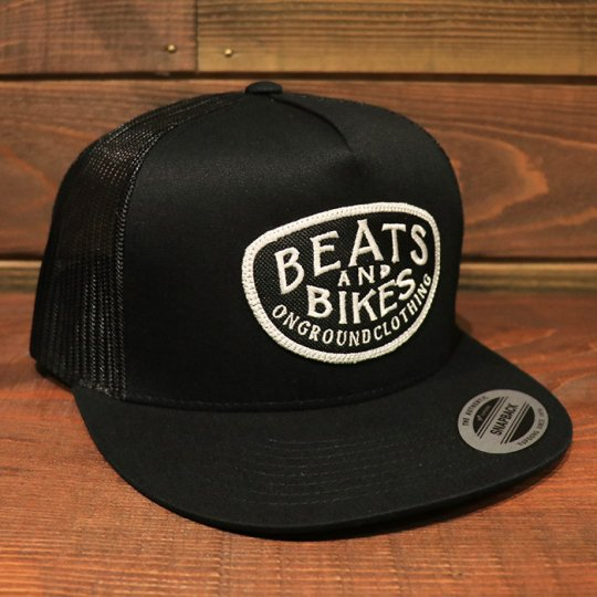 ONGROUNDCLOTHING【Beats & Bikes】 Trucker Snapback メッシュキャップ ブラック