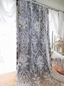 豪華 フランスコーネリー刺繍のレースカーテン