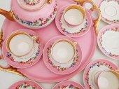オールドパリポーセリン ポンパドールピンクの薔薇花紋ティーセット