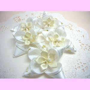 花つき白リボン