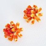J0278 1960年代アメリカ製unsignedオレンジエナメルメタル花イヤリング