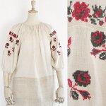 FG515 1910年代ウクライナ製赤とグレー薔薇刺繍7分袖ホームスパンリネンワンピース