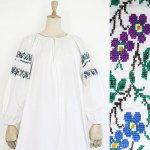 FG544 1950年代ウクライナ製青と紫の花刺繍メティスリネン9分袖ワンピース