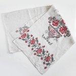 L0079 1910年代ウクライナ製赤い薔薇と花瓶刺繍ホームスパンリネンルシネーク