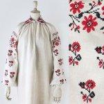 FG643 1910年代ウクライナ製赤と黒の花刺繍ホームスパンリネン襟付きロングシャツ