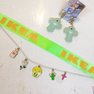 <img class='new_mark_img1' src='//img.shop-pro.jp/img/new/icons50.gif' style='border:none;display:inline;margin:0px;padding:0px;width:auto;' />Ribbon & Chain Double Chokerダブルチョーカー(IKEA lime)