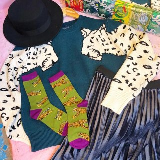 <img class='new_mark_img1' src='//img.shop-pro.jp/img/new/icons50.gif' style='border:none;display:inline;margin:0px;padding:0px;width:auto;' />Leopard Sleeve Knit Tops