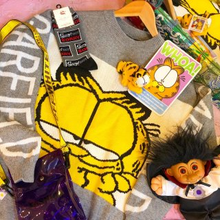 <img class='new_mark_img1' src='//img.shop-pro.jp/img/new/icons50.gif' style='border:none;display:inline;margin:0px;padding:0px;width:auto;' />Garfield Knit Sweater
