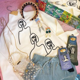 <img class='new_mark_img1' src='//img.shop-pro.jp/img/new/icons50.gif' style='border:none;display:inline;margin:0px;padding:0px;width:auto;' />Line Art Hi Neck Tops