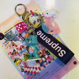 <img class='new_mark_img1' src='//img.shop-pro.jp/img/new/icons4.gif' style='border:none;display:inline;margin:0px;padding:0px;width:auto;' />Fun Charm Key Ringキーリング(ケアベア)