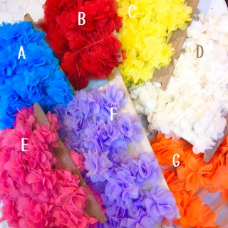 <img class='new_mark_img1' src='//img.shop-pro.jp/img/new/icons4.gif' style='border:none;display:inline;margin:0px;padding:0px;width:auto;' />PomPom Flower Ribbon