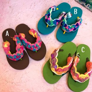 <img class='new_mark_img1' src='https://img.shop-pro.jp/img/new/icons4.gif' style='border:none;display:inline;margin:0px;padding:0px;width:auto;' />Tie-Dye Yarn Sandals