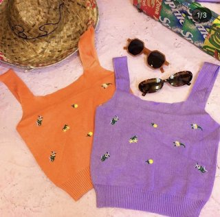 <img class='new_mark_img1' src='https://img.shop-pro.jp/img/new/icons50.gif' style='border:none;display:inline;margin:0px;padding:0px;width:auto;' />Flower Knit Cami Tops